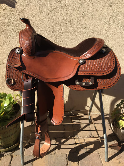 Custom Saddles - Kathy's Show Equipment